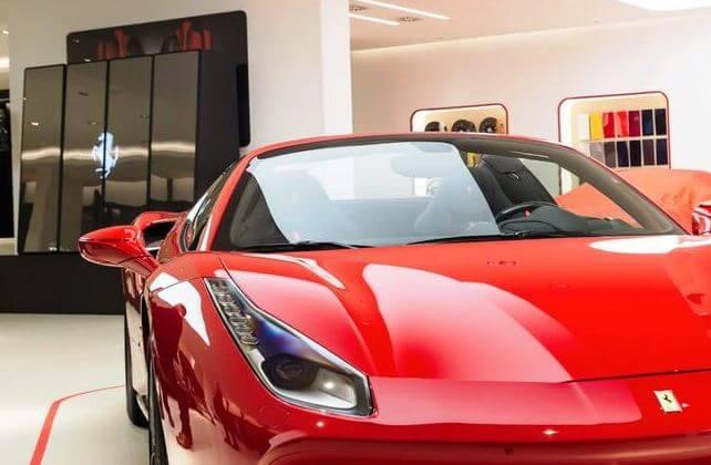 Ferrari setzt auf Digital Signage Lösungen von EyeScreens!
